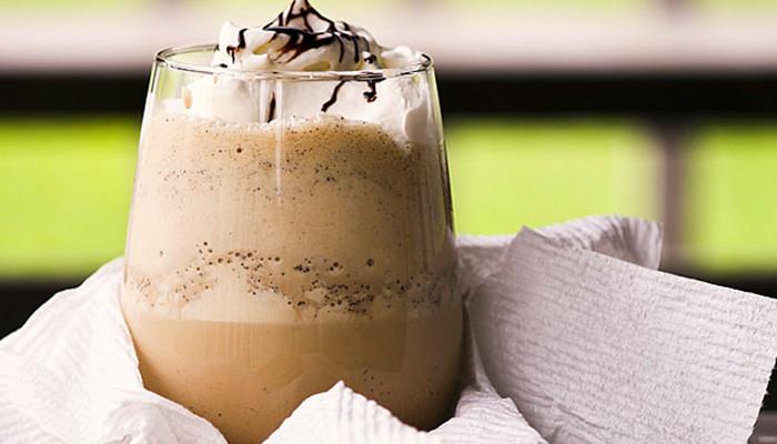 Кофейно-молочный коктейль без сахара